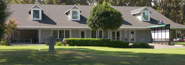 Plumas Lake GCC: Clubhouse