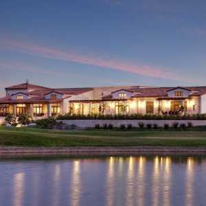 Angeles National GC: Clubhouse view