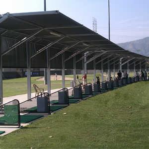 Glen Oaks Golf & Racquet Club: Driving range