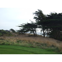If you go right on Sea Ranch Golf Links's No. 8, you're heading toward an ocean cliff.