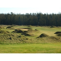 Mounds abound on the 152-yard seventh hole at Monarch Dunes Golf Club's Challenge Course.
