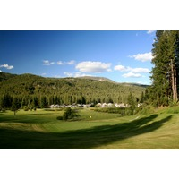 Plumas Pines Golf Resort's par-4 ninth hole has a sharply elevated green.
