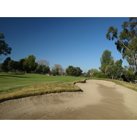 The first hole at Los Robles Greens Golf Course in Thousand Oaks, Calif., is a reachable par 5.